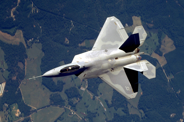 f-22-raptor-flying