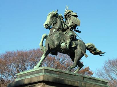 kusunoki_masashige_statue